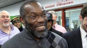 « Je suis très heureux. Il n'y a pas de mot pour exprimer ce que je ressens en cet instant », a-t-il confié à sa sortie de prison.