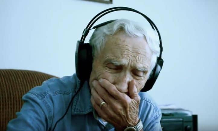Juste après la mort de son épouse, cet homme de 96 ans reçoit le plus beau des cadeaux