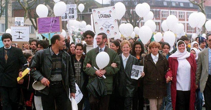 La marche blanche : une manifestation de deuil à double tranchant