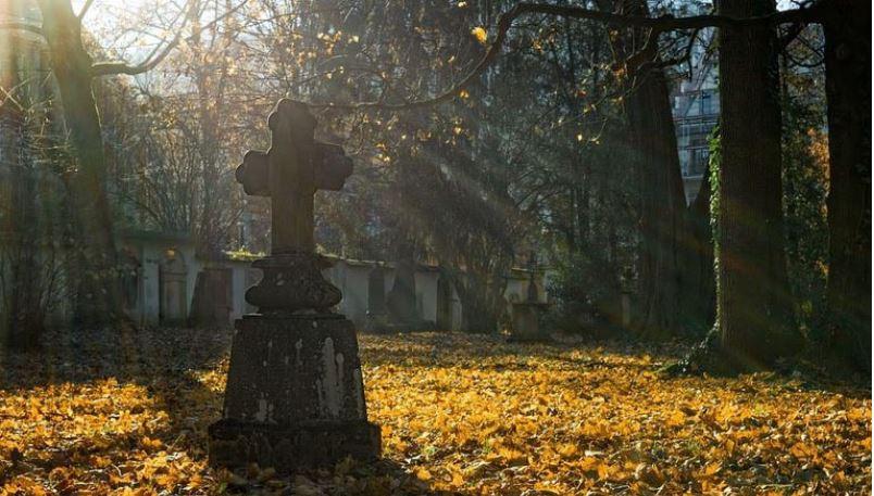 A l'occasion des urnes, redonner ses valeurs au cimetière !