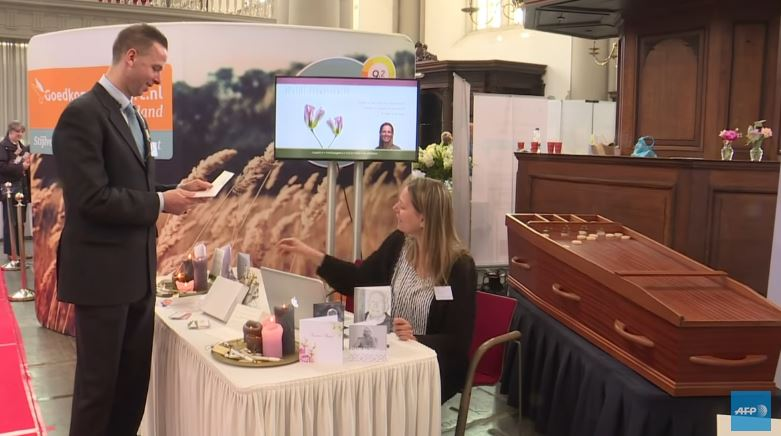 Salon fun raire amsterdam une perception for Salon funeraire