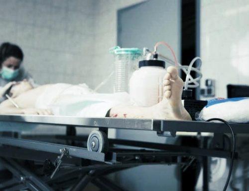 Accès aux soins funéraires pour les personnes atteintes du VIH : bientôt l'autorisation ?
