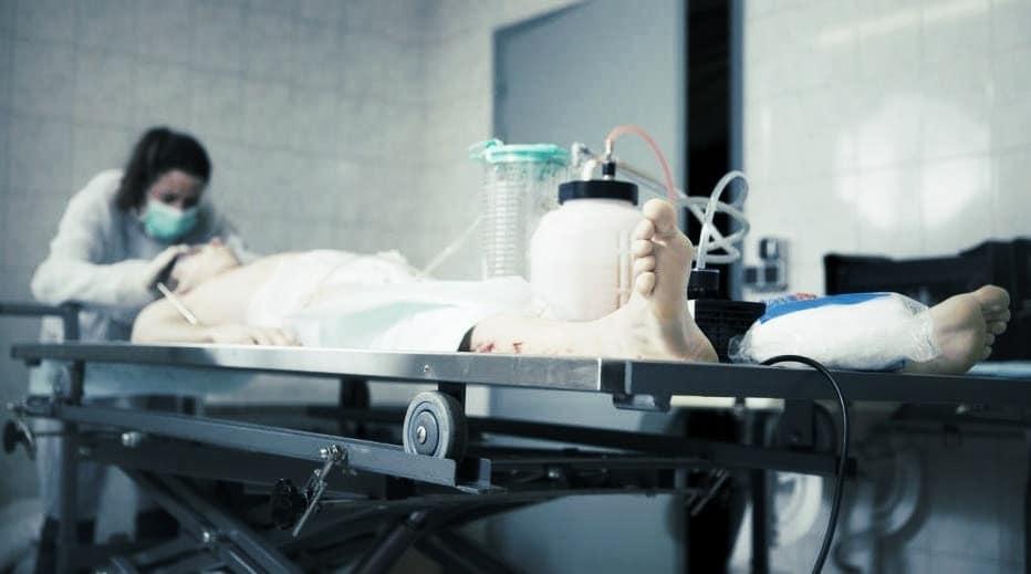 Accès aux soins mortuaires pour les malades du SIDA : une décision juste … mais problématique