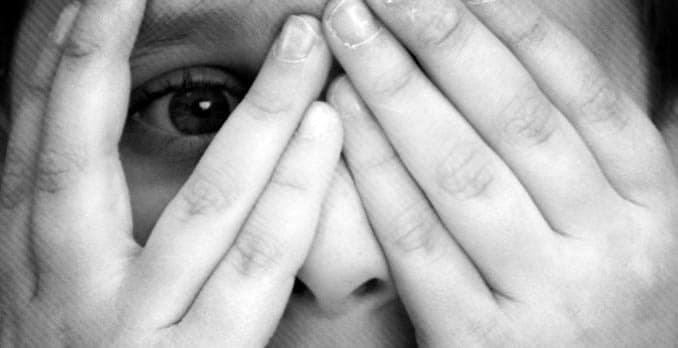 Sondage : la peur de perdre un proche s'inscrit parmi les craintes majeures des français