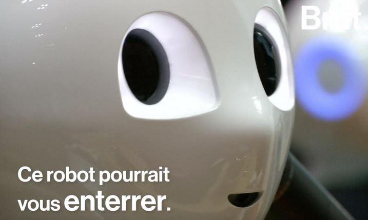 Moine robot et obsèques bouddhistes : quand un androïde préside les rites funéraires