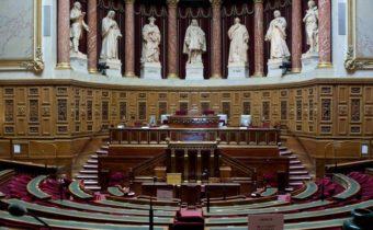 Frais d'obsèques : les députés voient leur allocation divisée par sept !