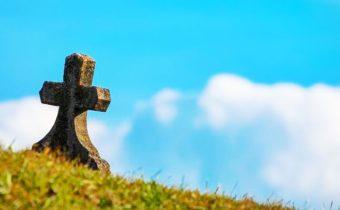 Traitement du corps, rôle du conseiller et assurance obsèques : Vers une évolution des rituels et habitudes funéraires ?